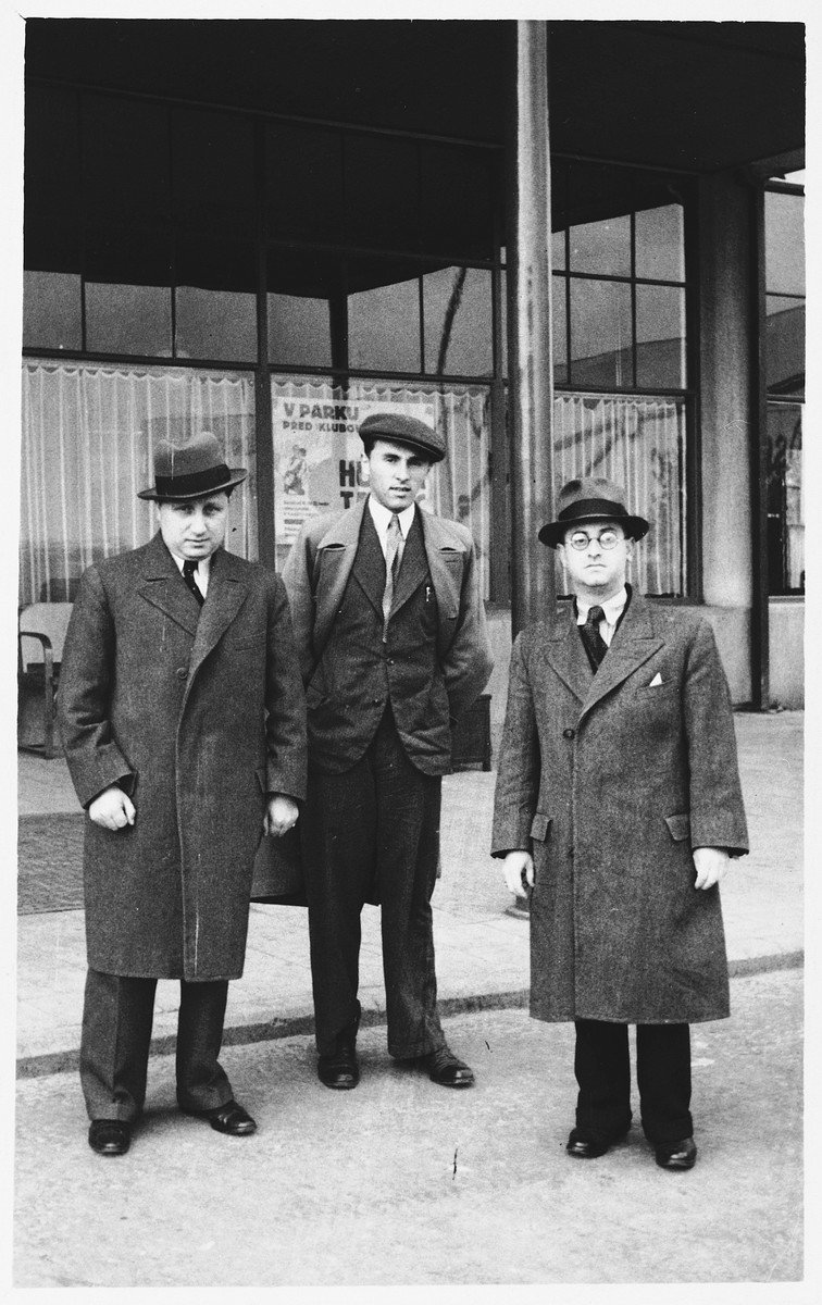 Three men stand outside a business in Bratislava.  Paul Kovacs (the uncle of the donor) is on the left.  Zoltan Taubner (the father of the donor) is on the right.