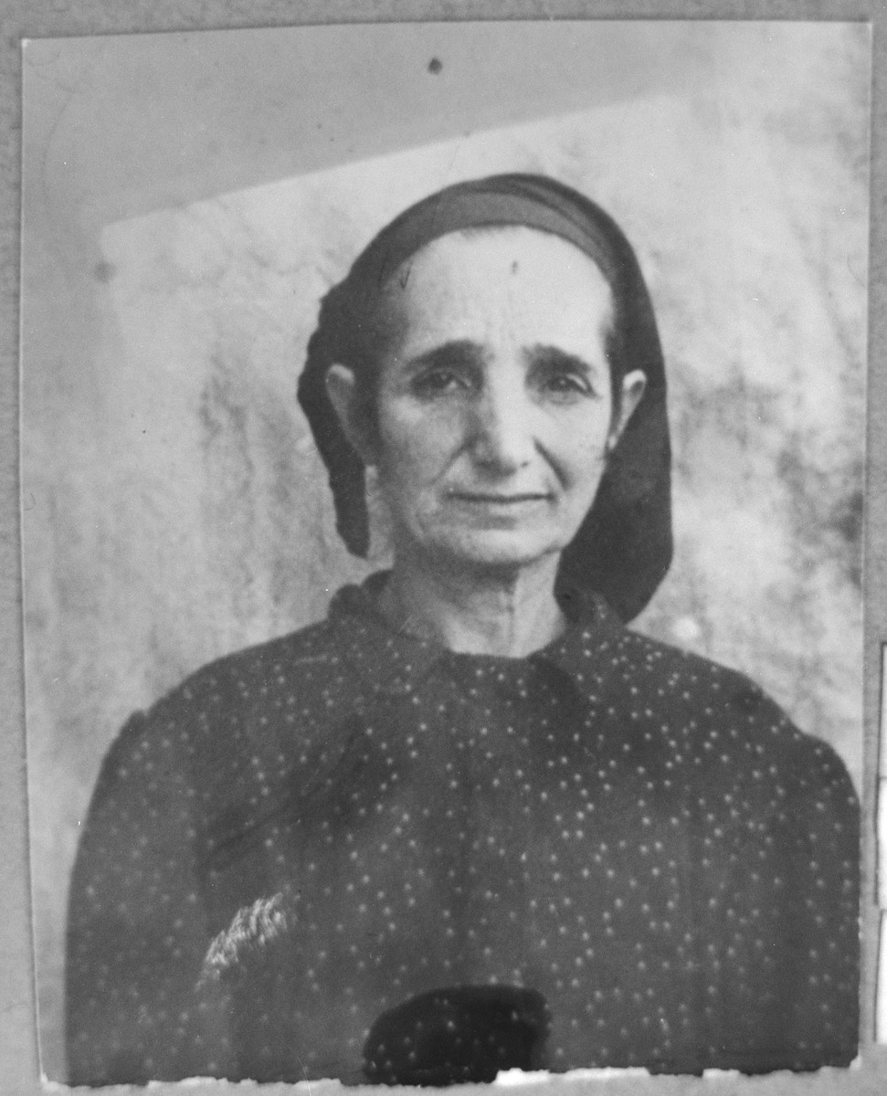 Portrait of Bohora Nachmias, wife of Yosef Nachmias.  She lived at Gligora 16 in Bitola.