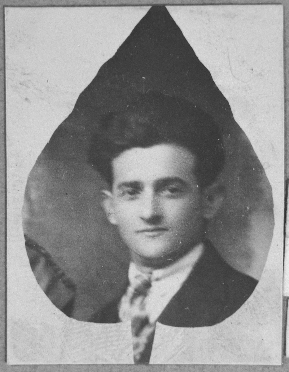 Portrait of Gavro Pardo.  He was a second-hand dealer.  He lived at Drinska 73 in Bitola.