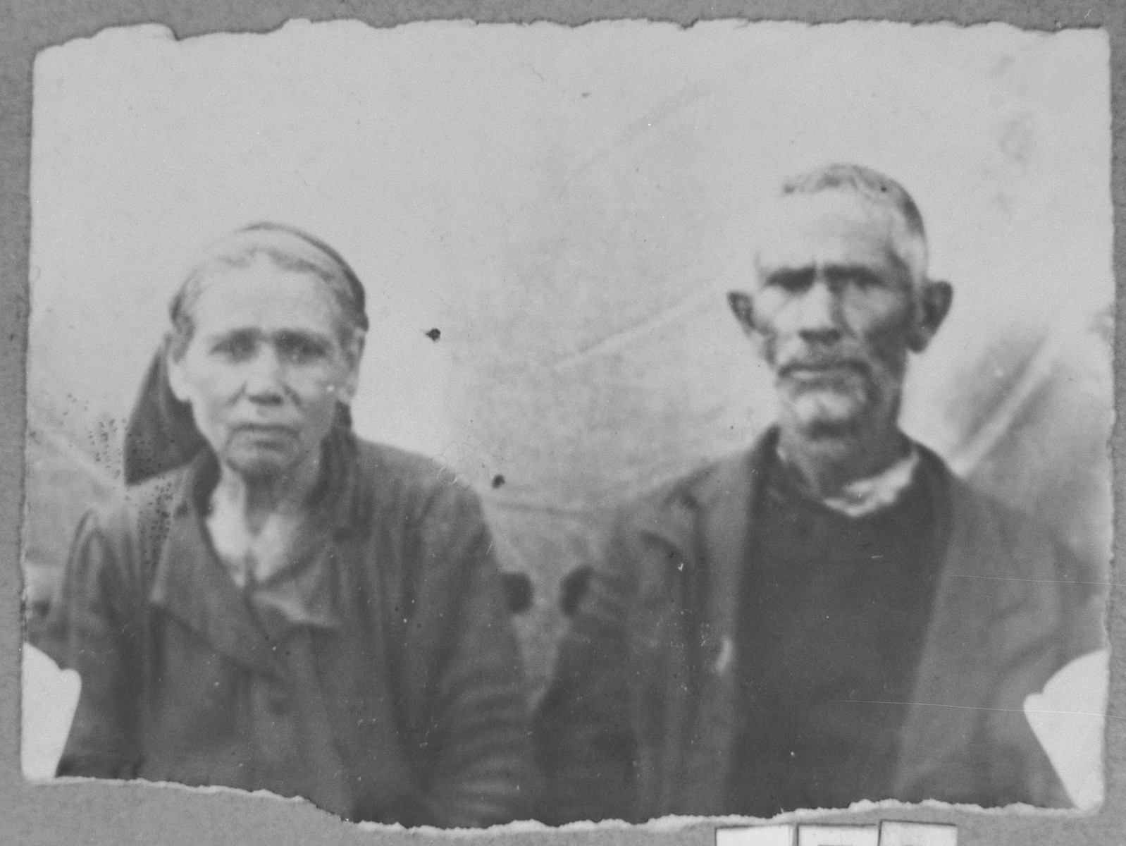 Portrait of Shabetai Nissan and his wife, Ester.  He was a carpenter.  They lived at Karagoryeva 81in Bitola.