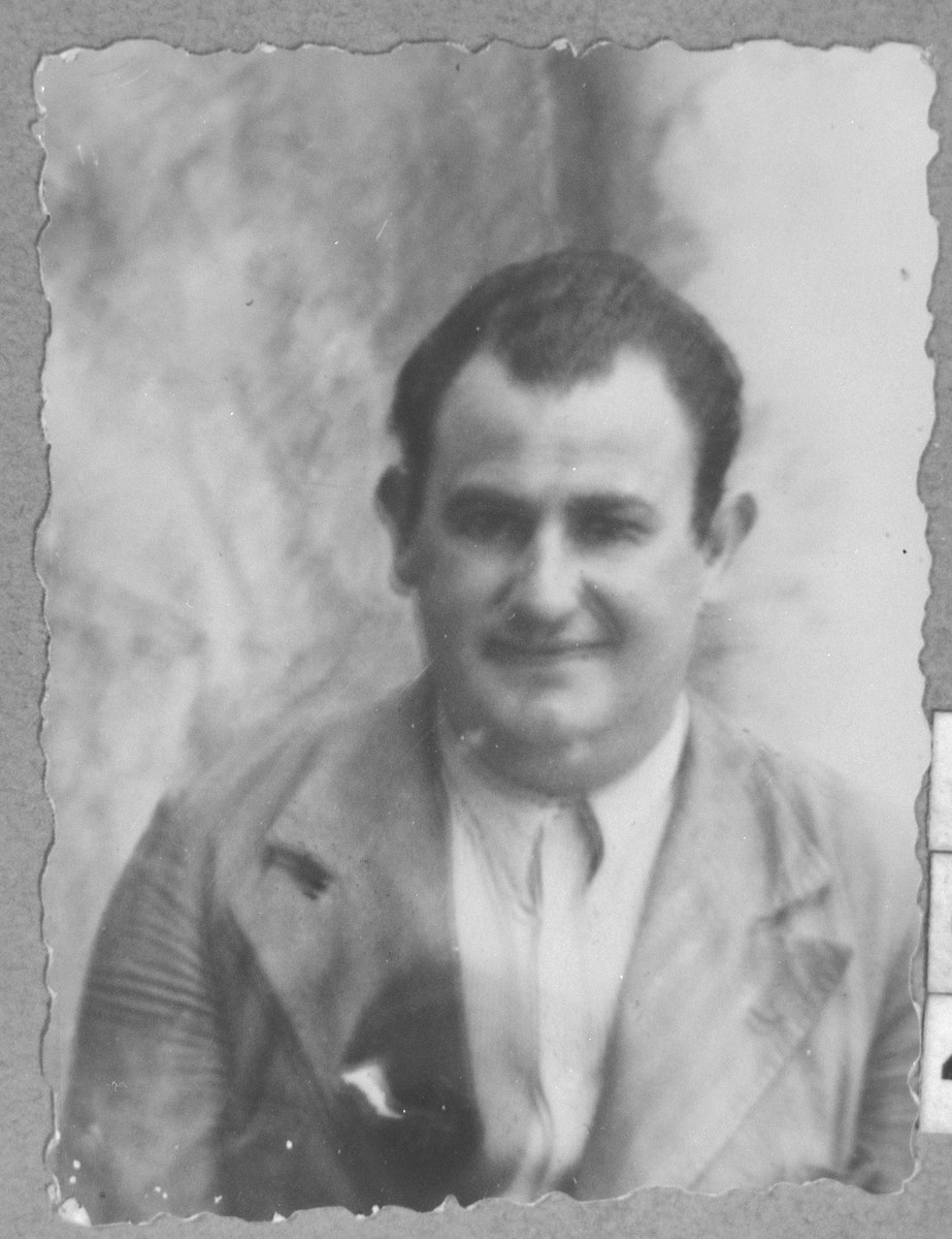 Portrait of Leon Pardo, son of Gabriel Pardo.  He was a miller.  He lived on Drinska in Bitola.