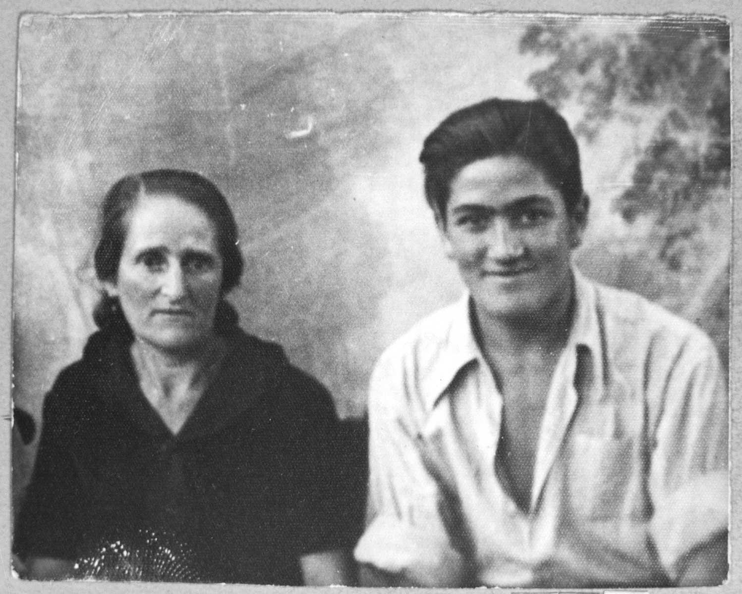 Portrait of Alegra Nissan, wife of Yakov Nissan, and Alberto Nissan, son of Yakov Nissan.  Yakov was a student.  They lived at Ferisovatska 34 in Bitola.
