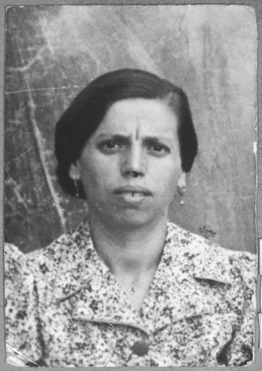Portrait of Arnesta Nachmias daughter of Haim Nachmias.  She lived at Drinska 44 in Bitola.