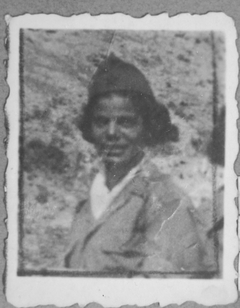 Portrait of Estreya Ovadia (patronymic: Haim).