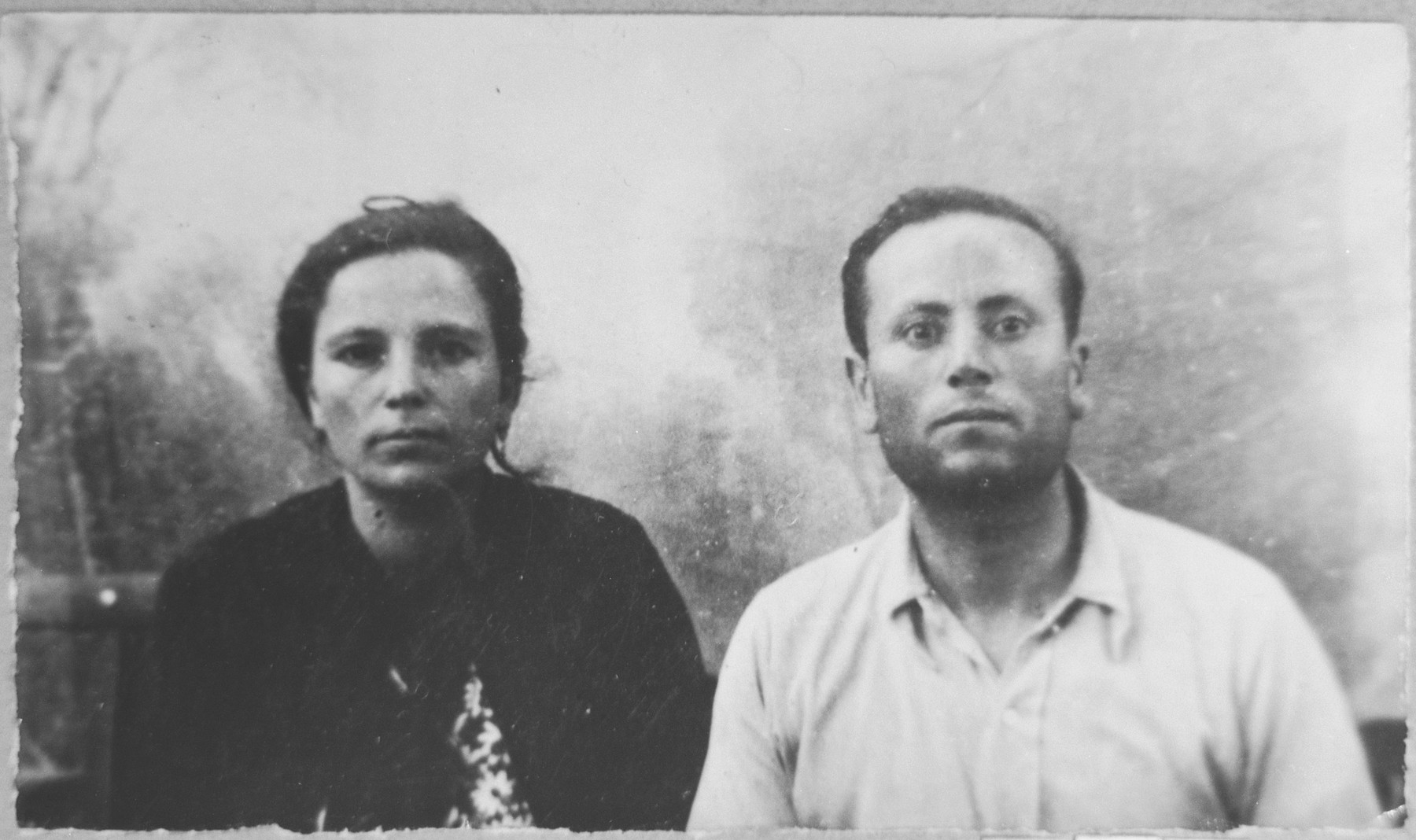 Portrait of Haim Nissan and [his wife], Alegra.  Haim was a milkman.  They lived at Avramova 11 in Bitola.
