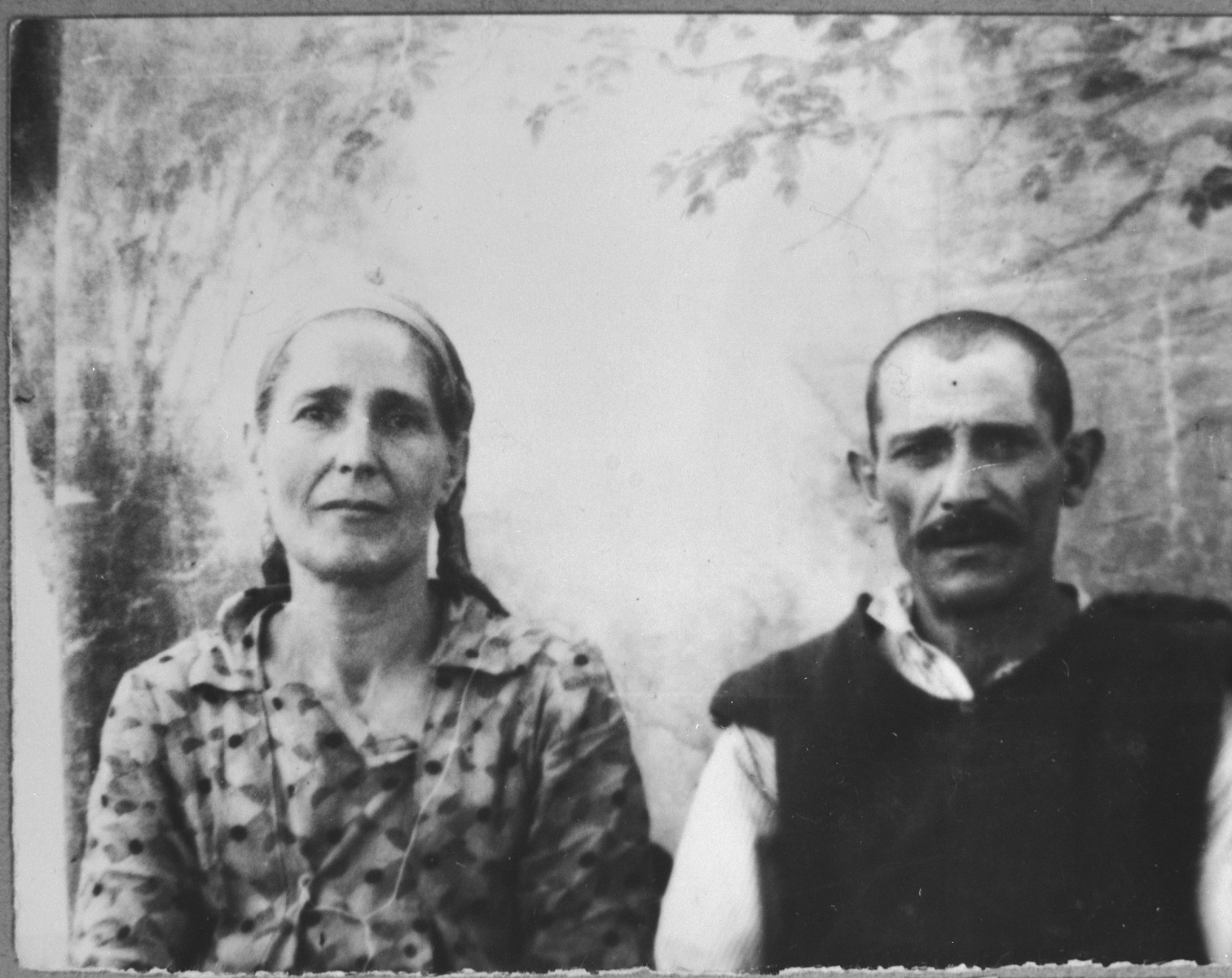 Portrait of David Pardo and his wife, Ester.  David was a porter and Ester, a laundress.  They lived at Sinagogina 6 in Bitola.