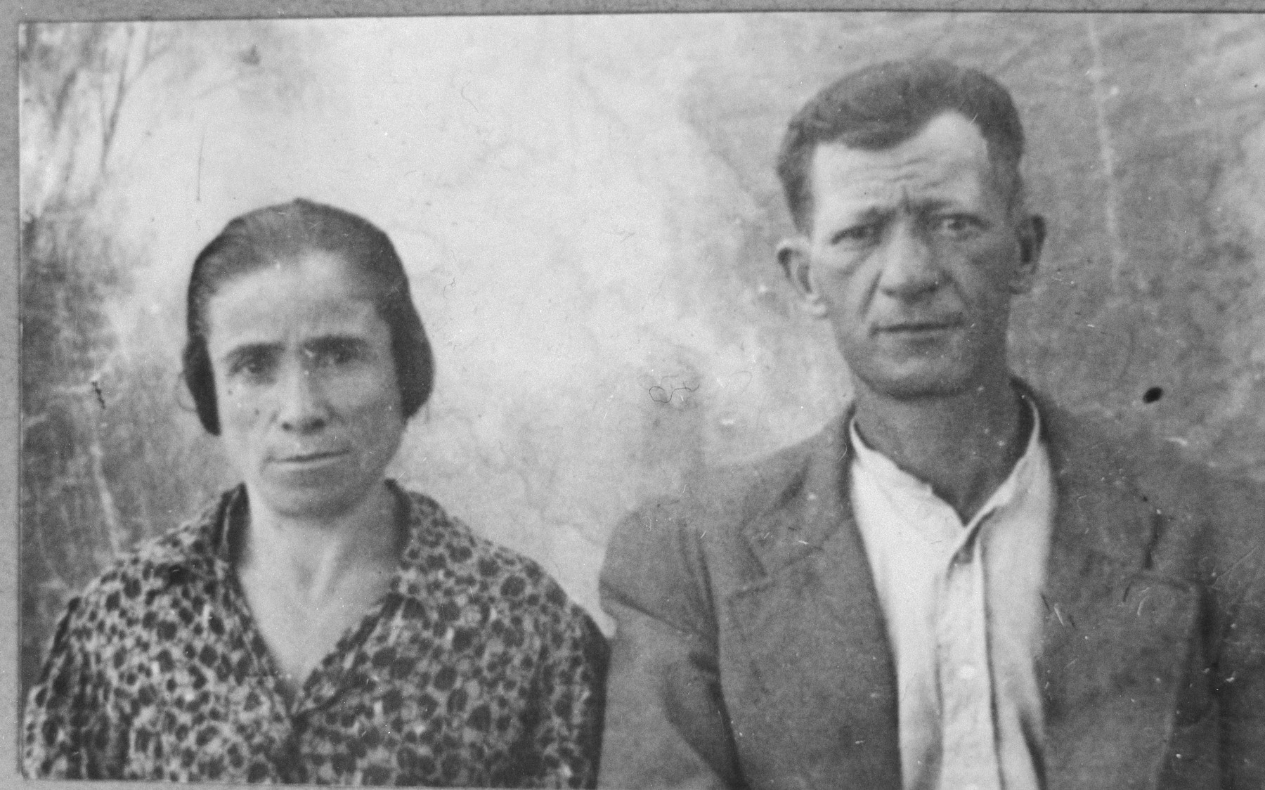 Portrait of Yosef (I.) Pardo and his wife, Sara.  They lived at Kossantchitcheva 9 in Bitola.