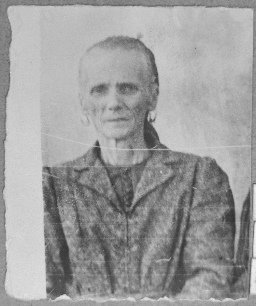 Portrait of Masalto Nachmias, wife of Haim Nachmias.  She lived at Drinska 44 in Bitola.