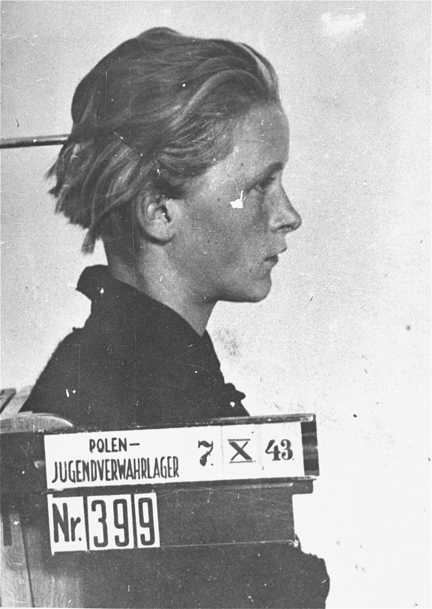 Mug shot of an unidentified child prisoner in the Jugendschutzlager Litzmannstadt.