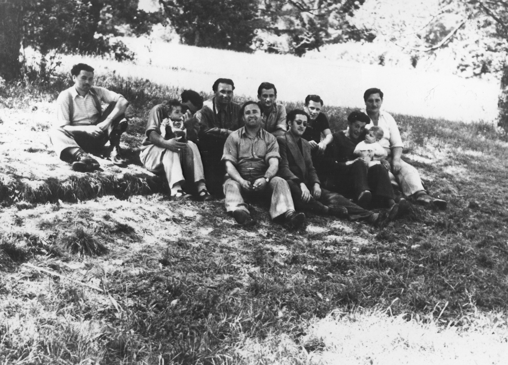 Group portrait of Greek-Jewish displaced persons in Feldafing.