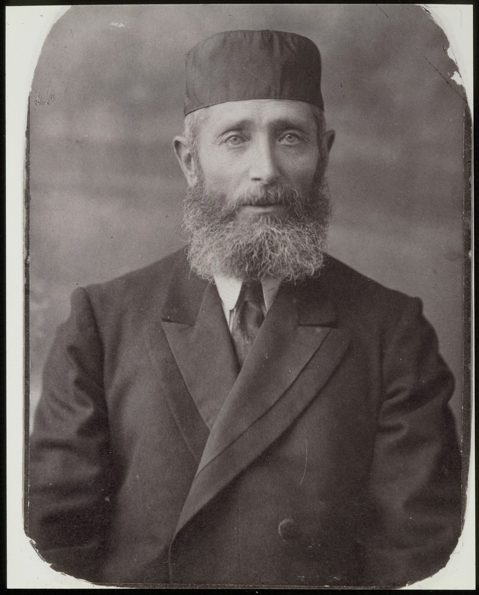 "Studio portrait of Dovid Elhanan Moszczenik, a Jewish builder in Eisiskes.    Like others in the construction business in Eisiskes, Moszczenik, known as ""Honeh the builder,"" worked only from May to September.  During the long winter he studied religious texts in the old Beit Midrash (house of study).  He was killed by the Germans during the September 1941 mass shooting action in Eisiskes."
