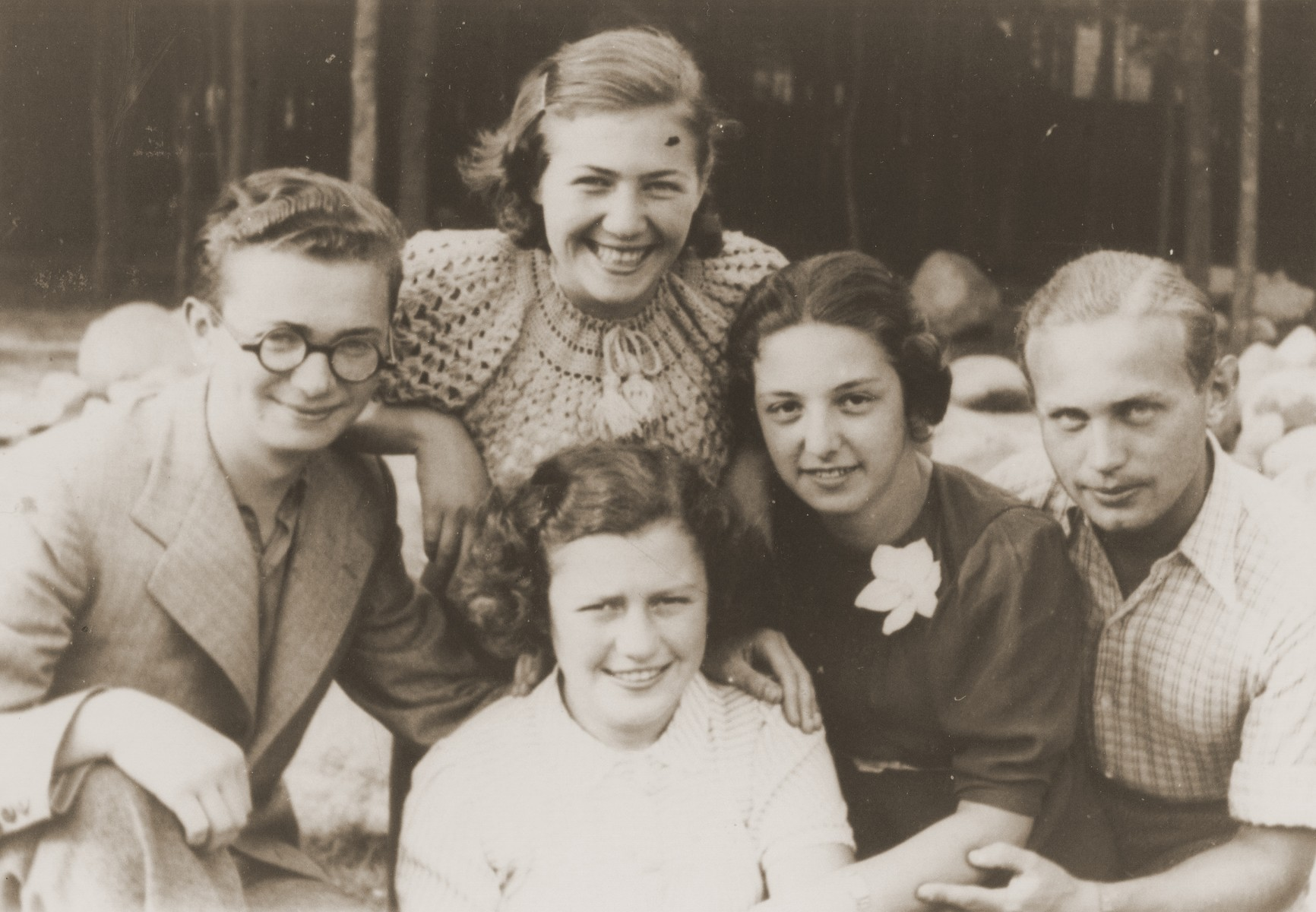 Rivka Radzinski (second from the right) poses with a group of friends while on vacation.