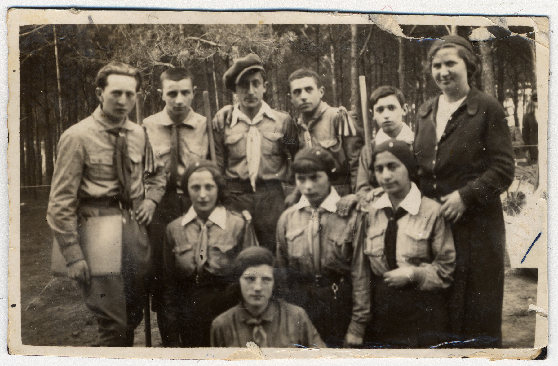 Portrait of a Gordonia Zionist youth group in Dobrzyn.  Among those pictured is Issachar Fater (second row, center).