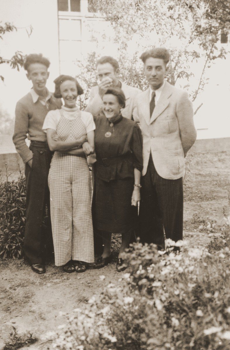 Austrian Jewish refugees living in La Paz, Bolivia.  Pictured in front, from left to right, are Liesl Lipczenko and Rosie Spitzer; behind are Heine Lipczenko, Eugen Spitzer, and Willy Becker.
