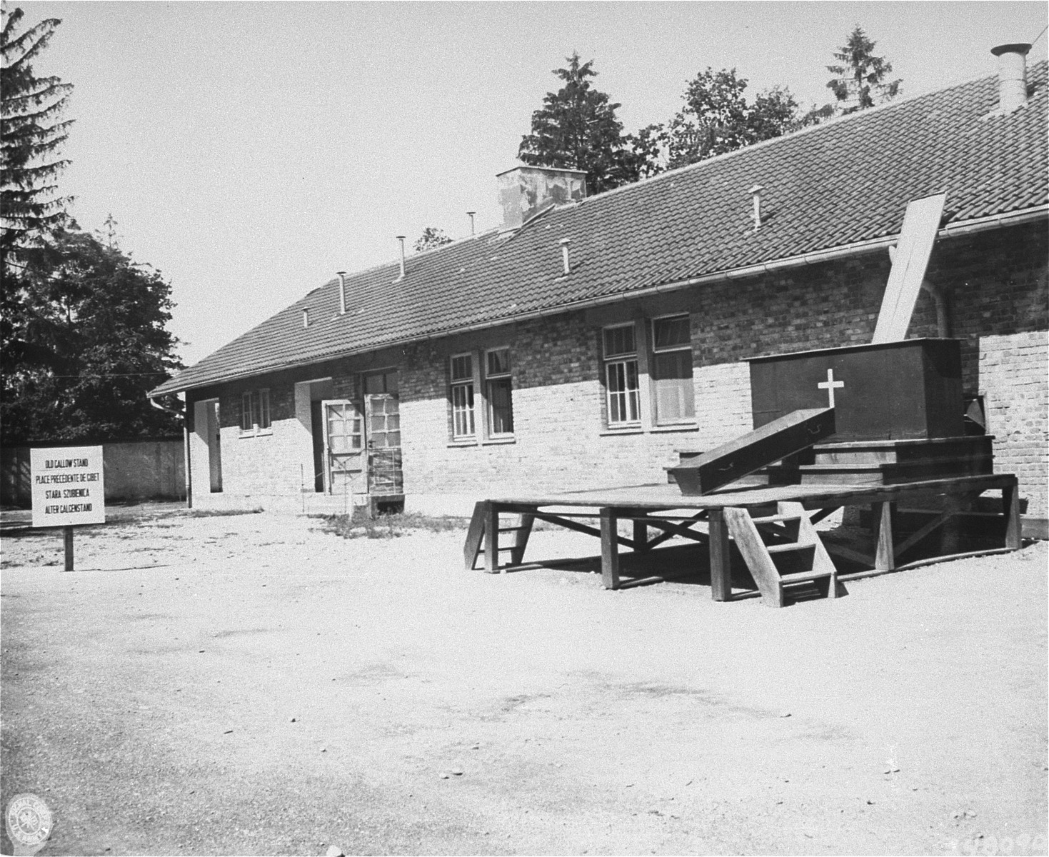 A coffin and platform in the rear of the crematorium in Dachau.