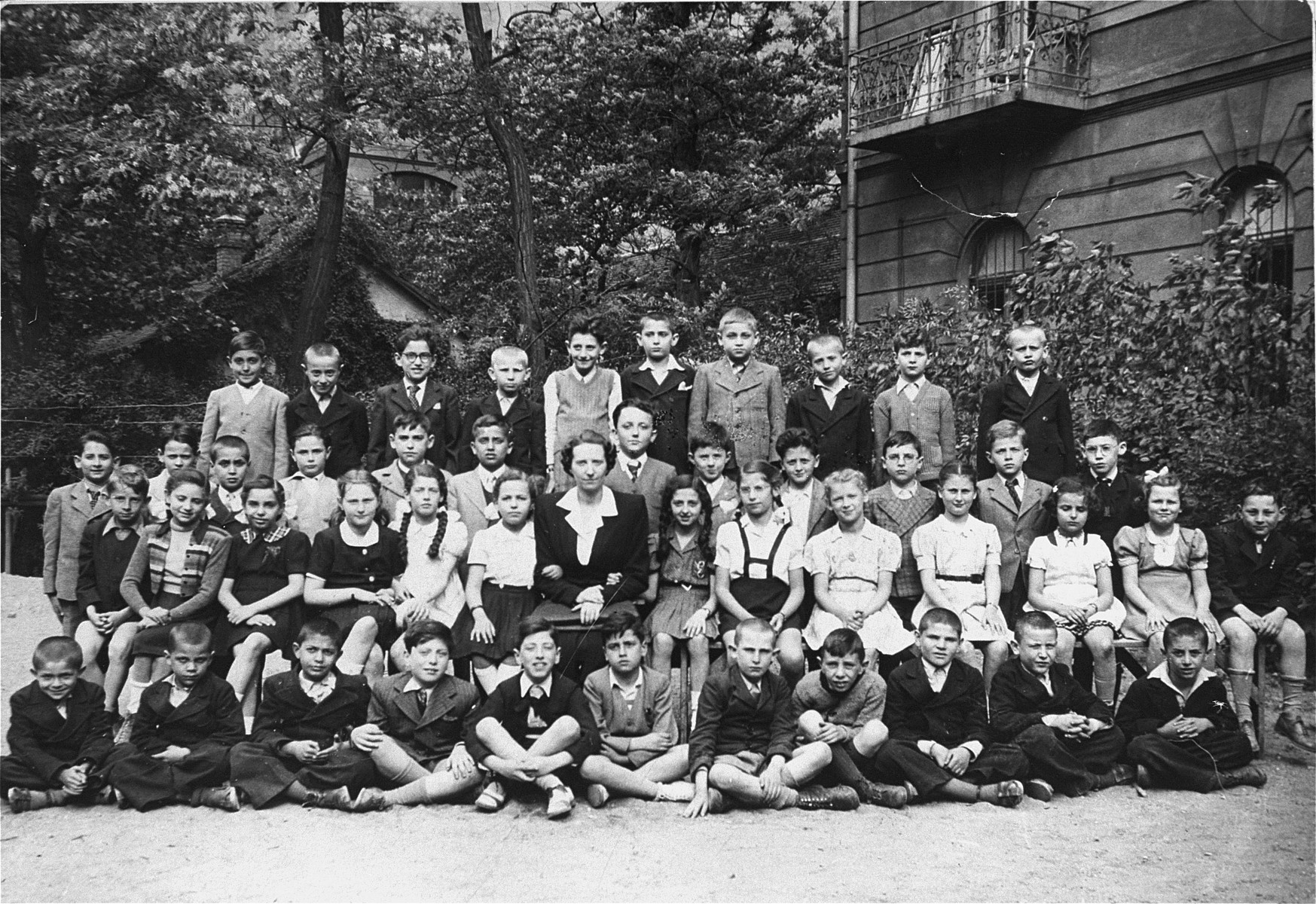 Class photograph of the second grade at the Jewish Boys' Orphanage School of Budapest (Zsido Fiu Arvahaz), a Jewish primary school attended by both orphaned and non-orphaned children.