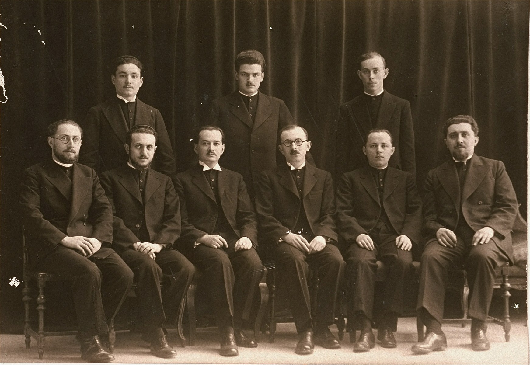 Group portrait of young Hungarian rabbis.    Among those pictured is Joszef Katona (seated, third from the left), the future chief rabbi of the Dohany synagogue in Budapest.  Also pictured are seated: Jeno Racz (second from the right) and Marton Nathan (far right); standing: Marton Revesz (middle) and Karoly Jolesz (right).