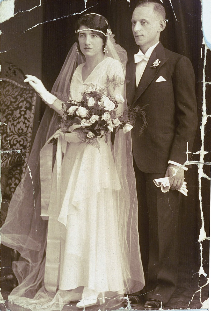 Wedding portrait of Aladar Barber and Klari Perl in Budapest.