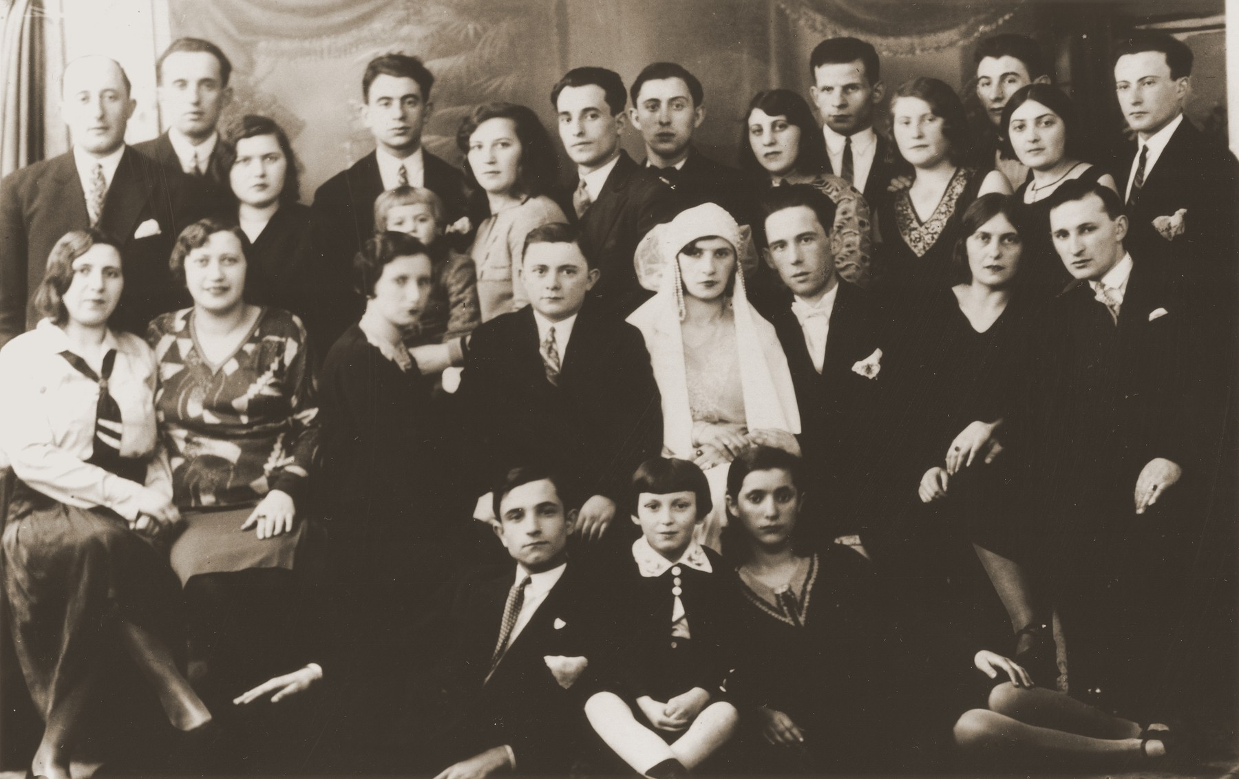 Group portrait of members of the extended Broda family at the Dresner wedding in Zawiercie.  Among those pictured are:  Aron Broda, Moishe and Sheindel Broda, Nacha Broda, Izak and Tola Goldblum, and Anschel Dresner.