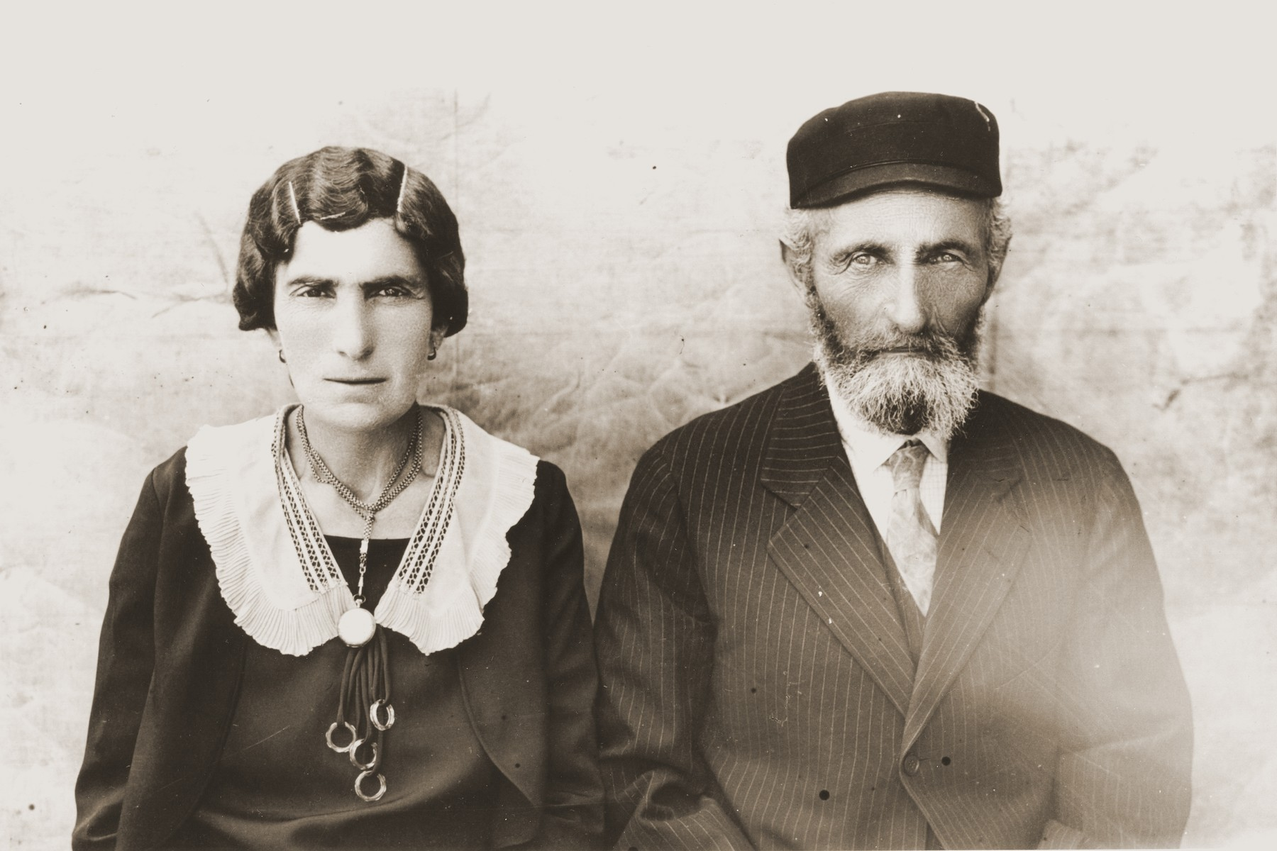 Portrait of Berl and Hanna Gitel (Dresner) Broda, the parents of Tola (Broda) Goldblum.