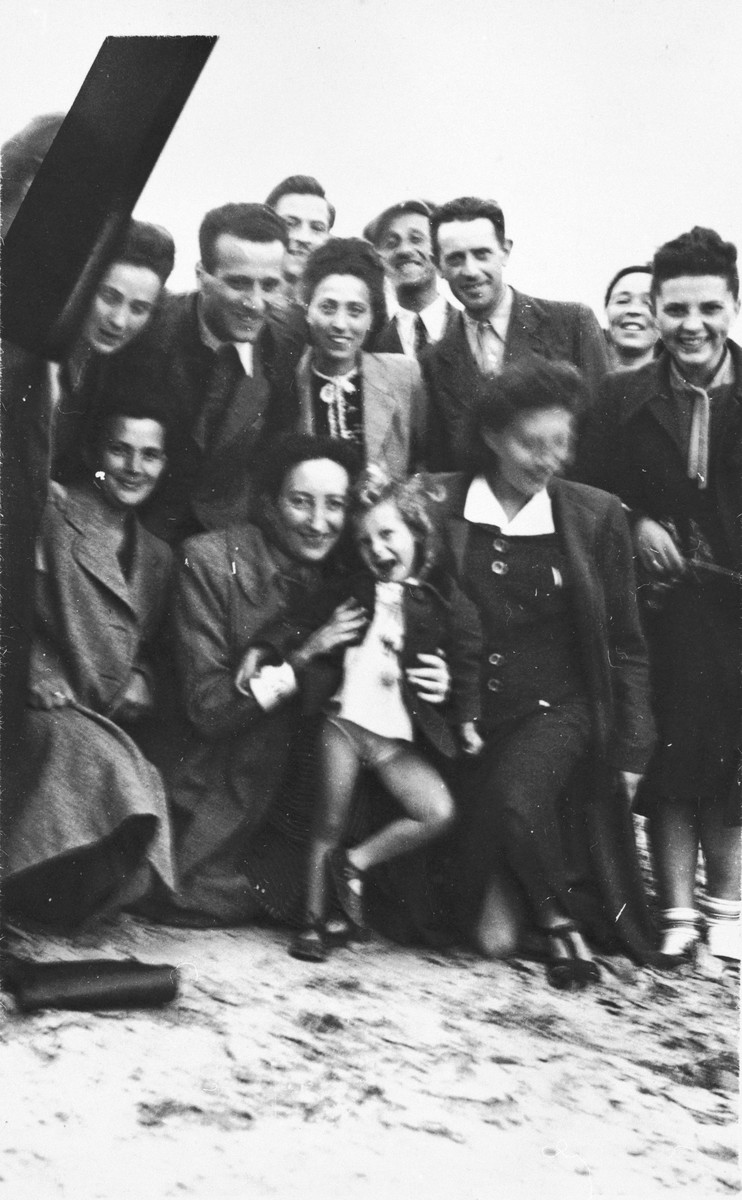 Members of the Jewish Council in Chmielnik journey to Wislica to attend a meeting.  Bluma Kleinhandler is pictured at the far right.