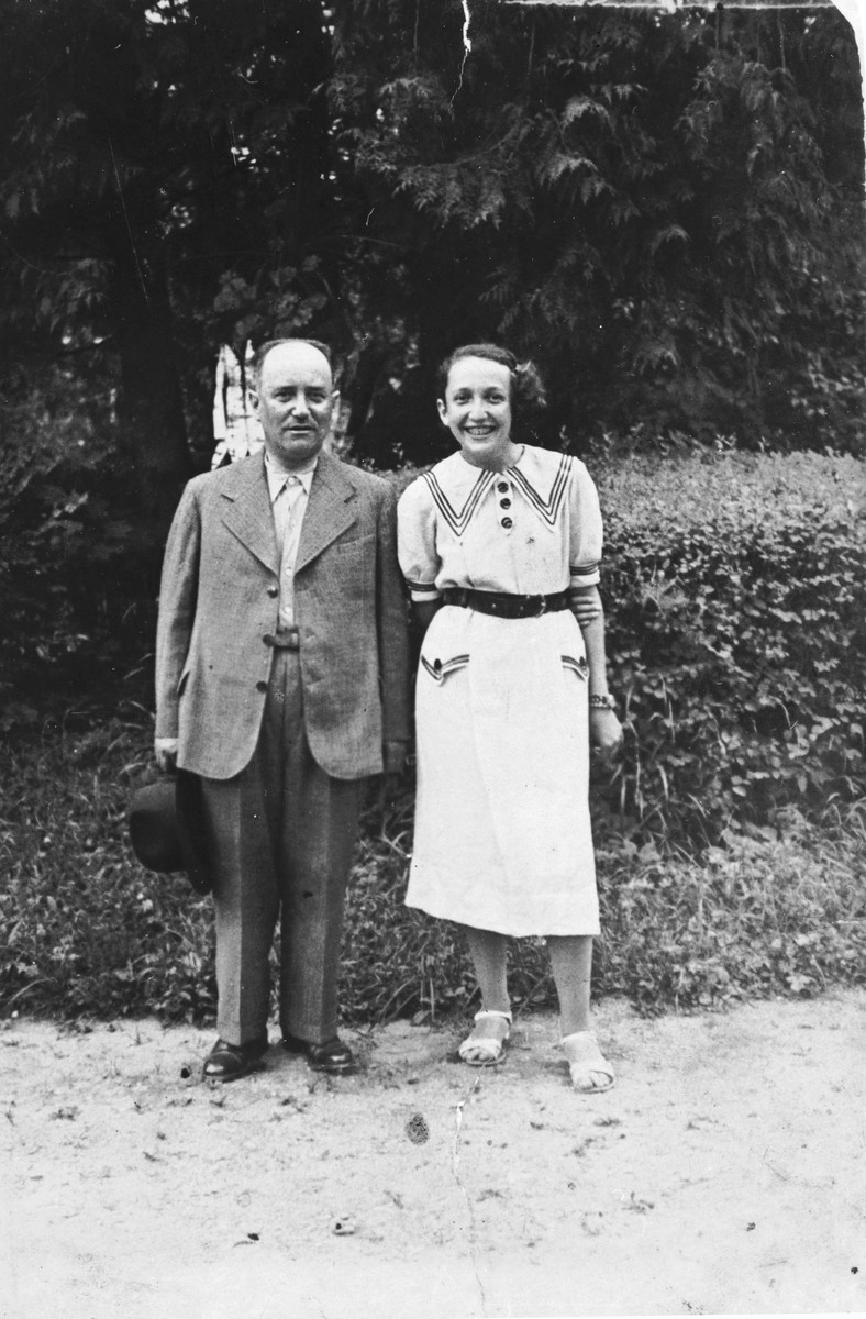 Portrait of a Jewish father and daughter in Dolina.   Pictured are Herschel Wilner (the uncle of Tamara Abramowicz) and his daughter Dwunia.  Herschel, who owned a flour mill in the town, was killed by one of his Polish employees.