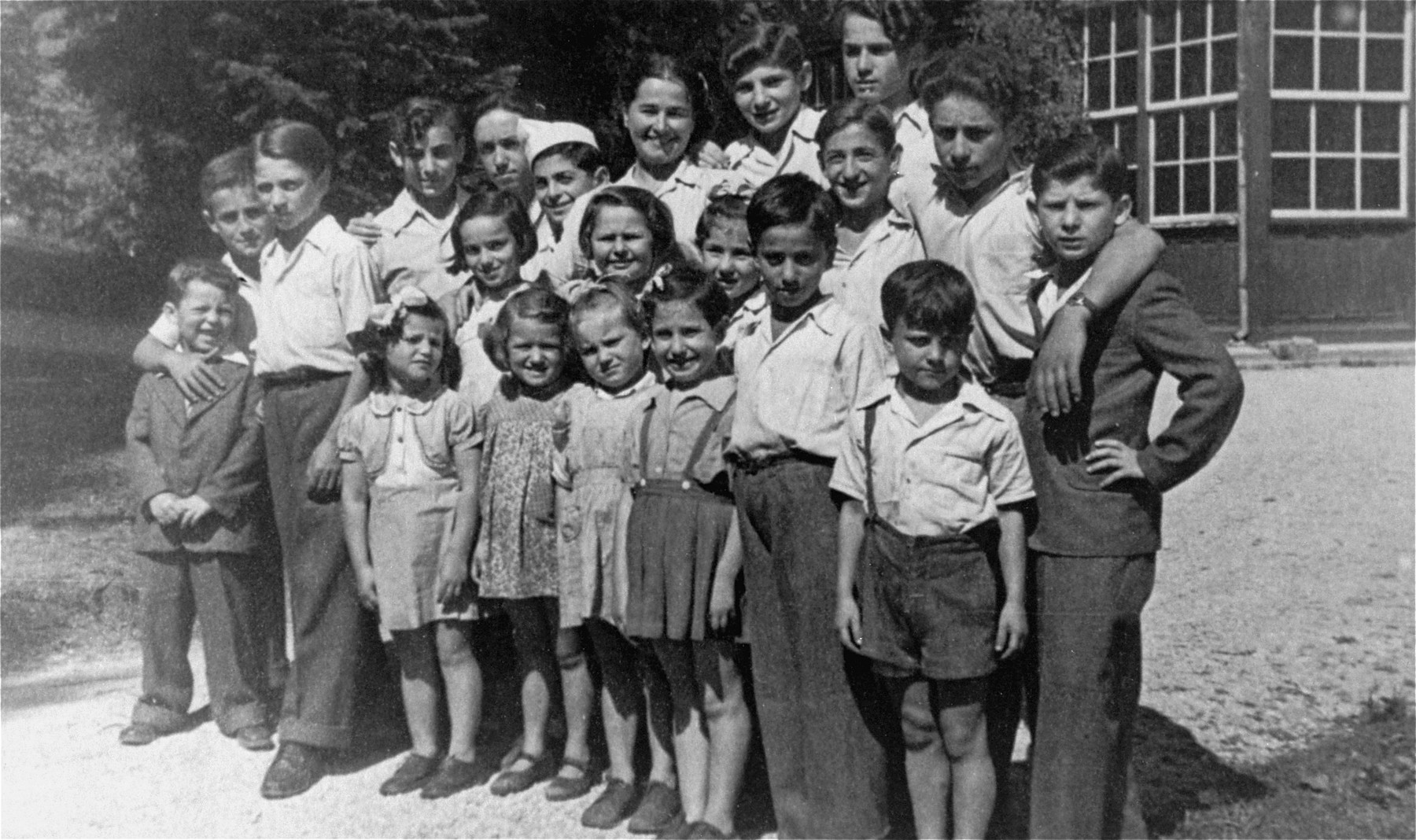 Group portrait of Jewish displaced children at a home operated by the American Joint Distribution Committee in Stobl, Austria.  Most of the children living at this home were originally from Poland and were gathered from their various hiding places after the war by the donor, Stella Wernick.