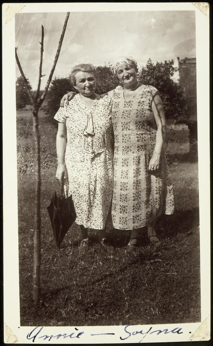 Annie Virshubski Foster (right ) poses with her sister Sonia Virshubski Saposnikow during her visit home from America.
