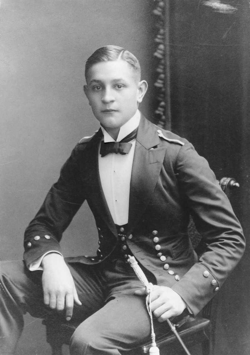 Portrait of Martin Niemoeller as a young cadet in the Flensburg-Muerwik Naval Academy.