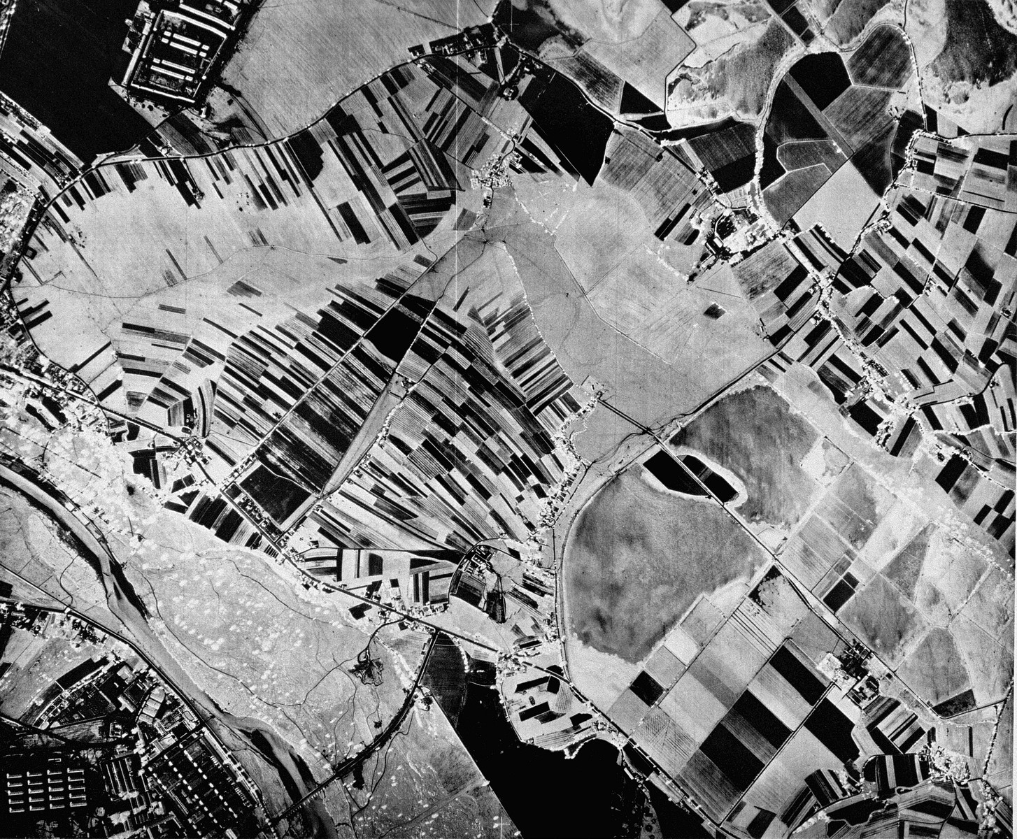 An aerial reconnaissance photograph of the Auschwitz area showing a portion of Auschwitz I.