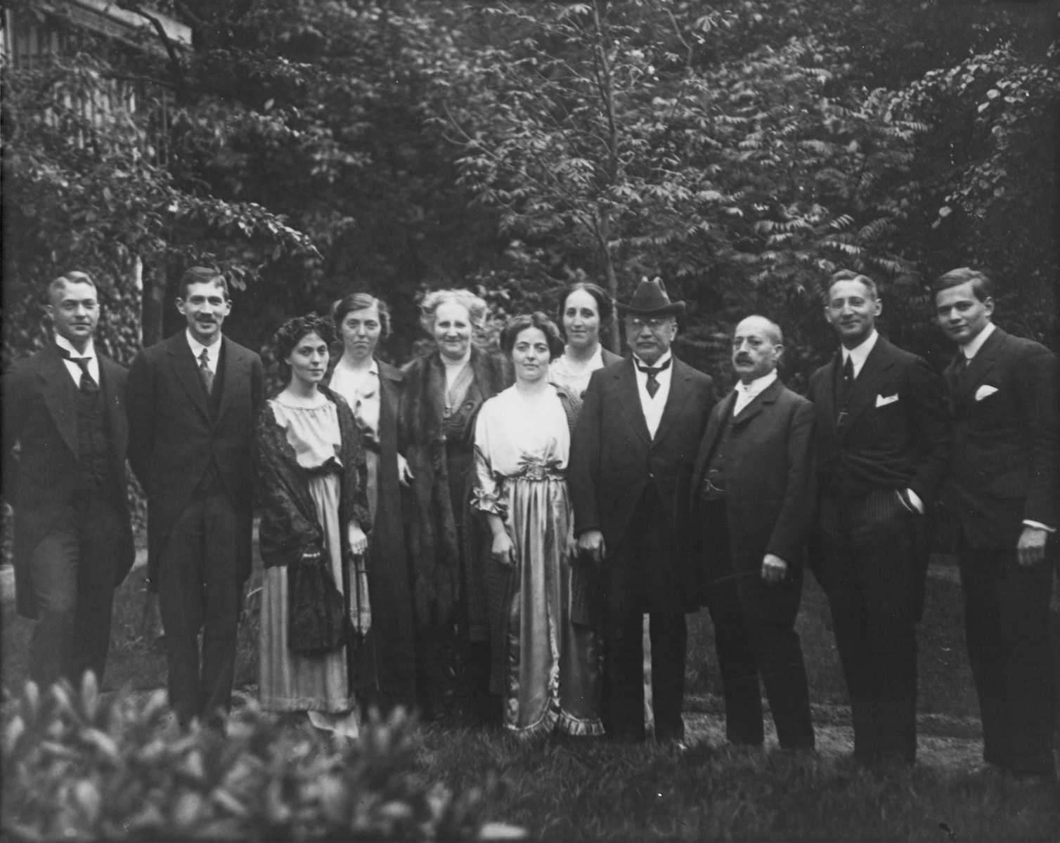 Group portrait of members of the Meyerhof and Schallenberg families in Germany.  Pictured from left to right are: Karl Schallenberg (Hedwig's sister), Otto Meyerhof, Hedwig Schallenberg, Else Schallenberg (Hedwig's sister), Bettina May Meyerhof (Otto's mother), Susanna Schallenberg (Hedwig's sister), Therese Meyerhof (Otto's sister), Felix Meyerhof (Otto's father), David Schallenberg (Hedwig's father), Walter Meyerhof (Otto's brother) and Paul Meyerhof (Otto's brother).