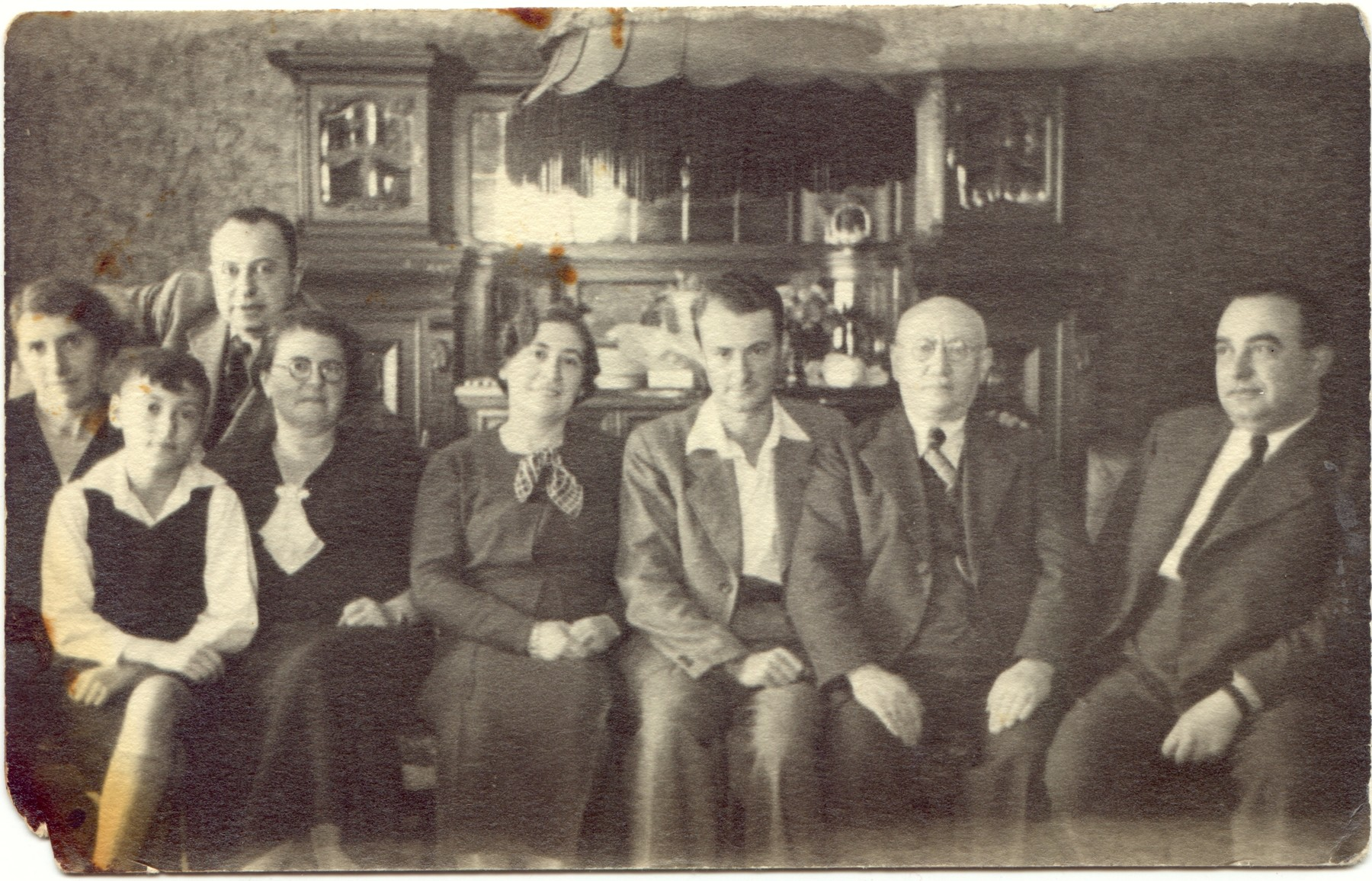 Portrait of the extended Gruenthal family at home.