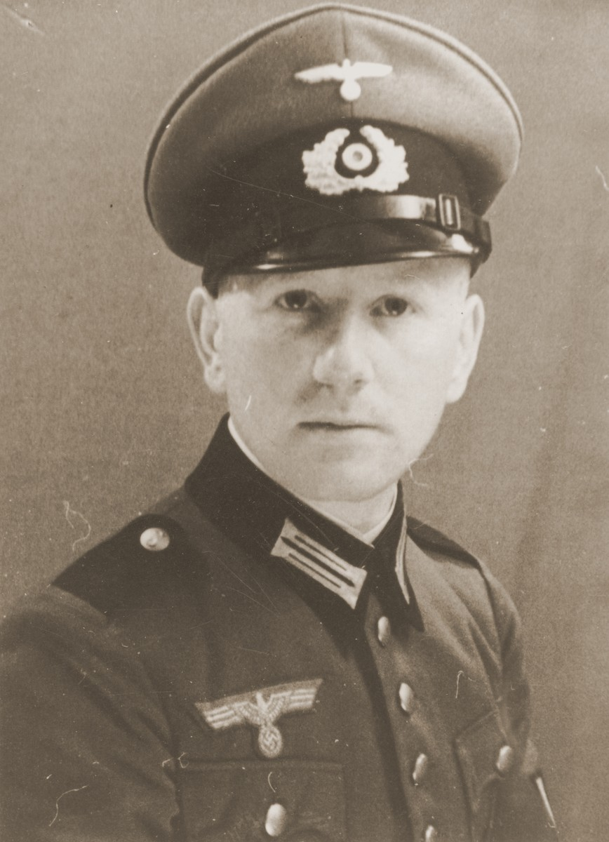 Portrait of Viktor Stern as an officer in the Wehrmacht.