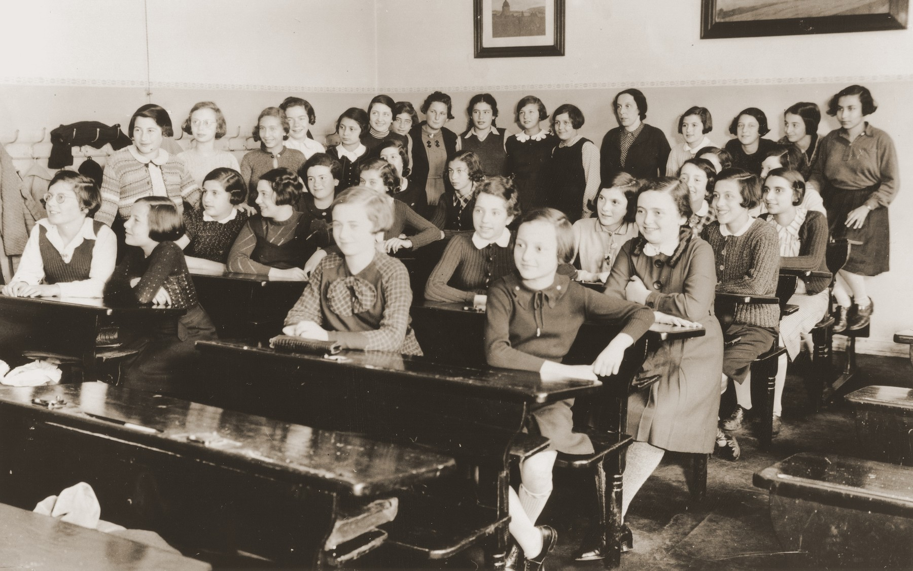 Jewish students in a classroom at the Philanthropin school in Frankfurt.  Lore Gotthelf is pictured second from the right in the second row from the back.