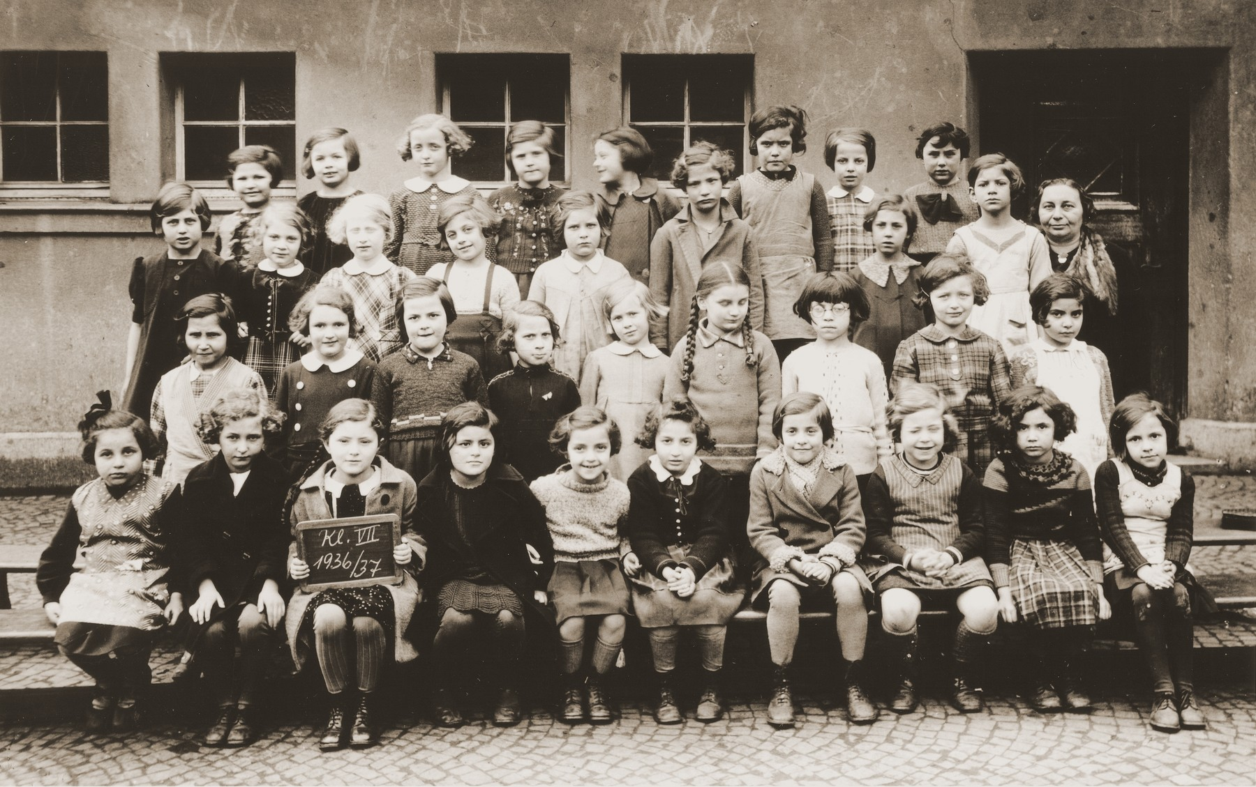 Group portrait of students in the first form at the Jewish primary school on Luetzow street in Cologne.    Among those pictured is Marion Michel (second row, third from the left).