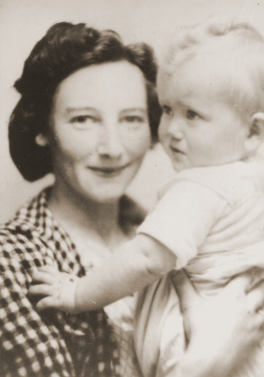 Resi Markhoff Stern with her son, Manfred.