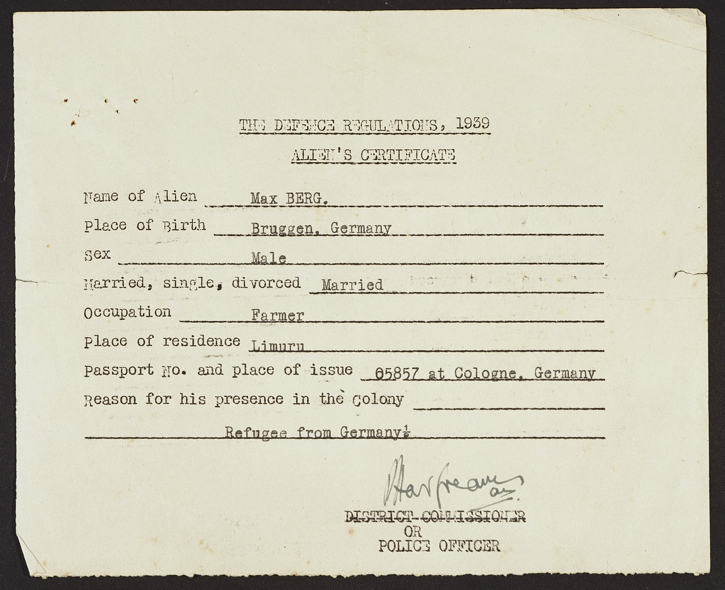 Alien registration certificate issued to Jewish refugee Max Berg by the office of police in Limuru.