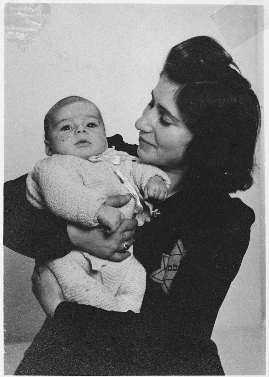 Ester Swaab Franshman holds her newborn son Mozes.  Both were killed only five months later.