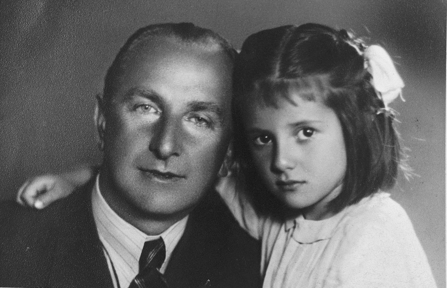 Close-up portrait of Jeanna Nachmia (alias Jovanka Rashic) with her rescuer, Veljco Rashic.