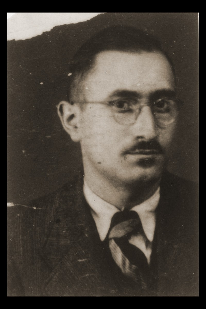 The identification photo of Felix Nacht, the chief editor of the Shanghai Post refugee newspaper.  The photograph was attached to a curfew pass, exempting Nacht from curfew regulations.