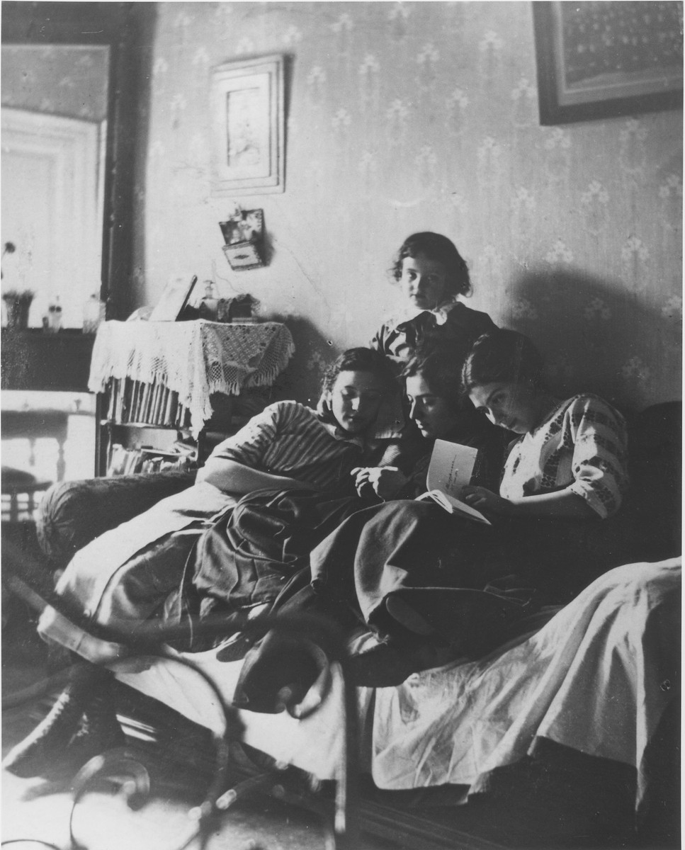 Portrait of Fanya Mikolaevsky with her children Anna and Maria, and Maria's oldest son, Sasha.
