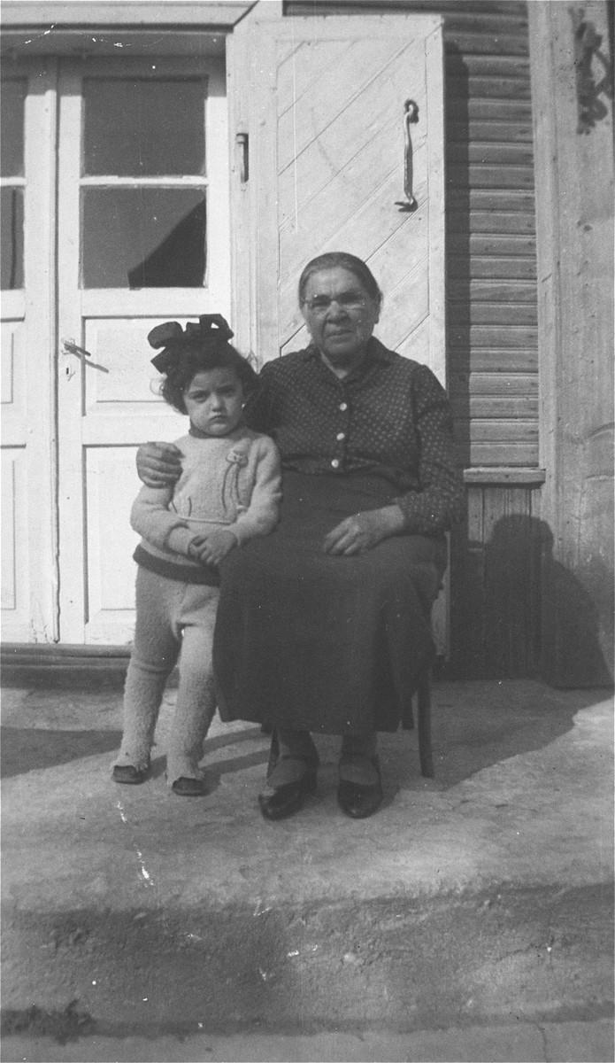 Portrait of Esther Gar with her granddaughter Haviva, the daughter of Jacob Gar.