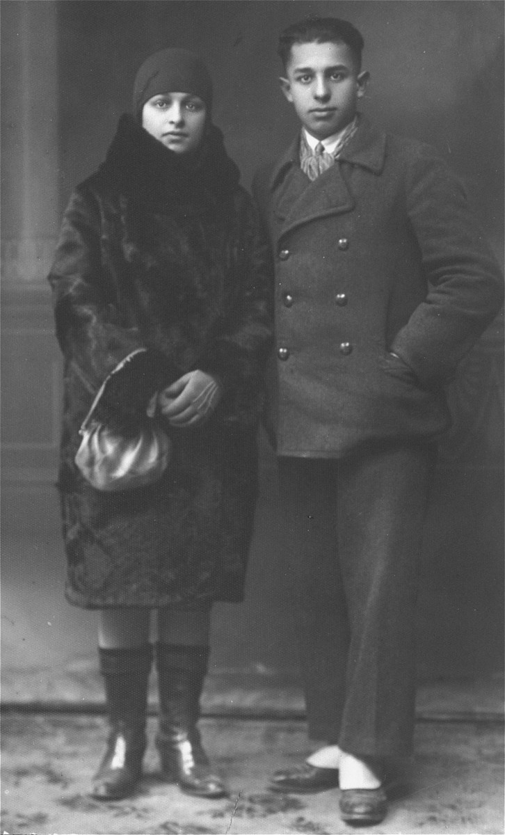 Portrait of a young Jewish couple in Lithuania. Pictured at the left is the donor's mother, Chaya Gar.