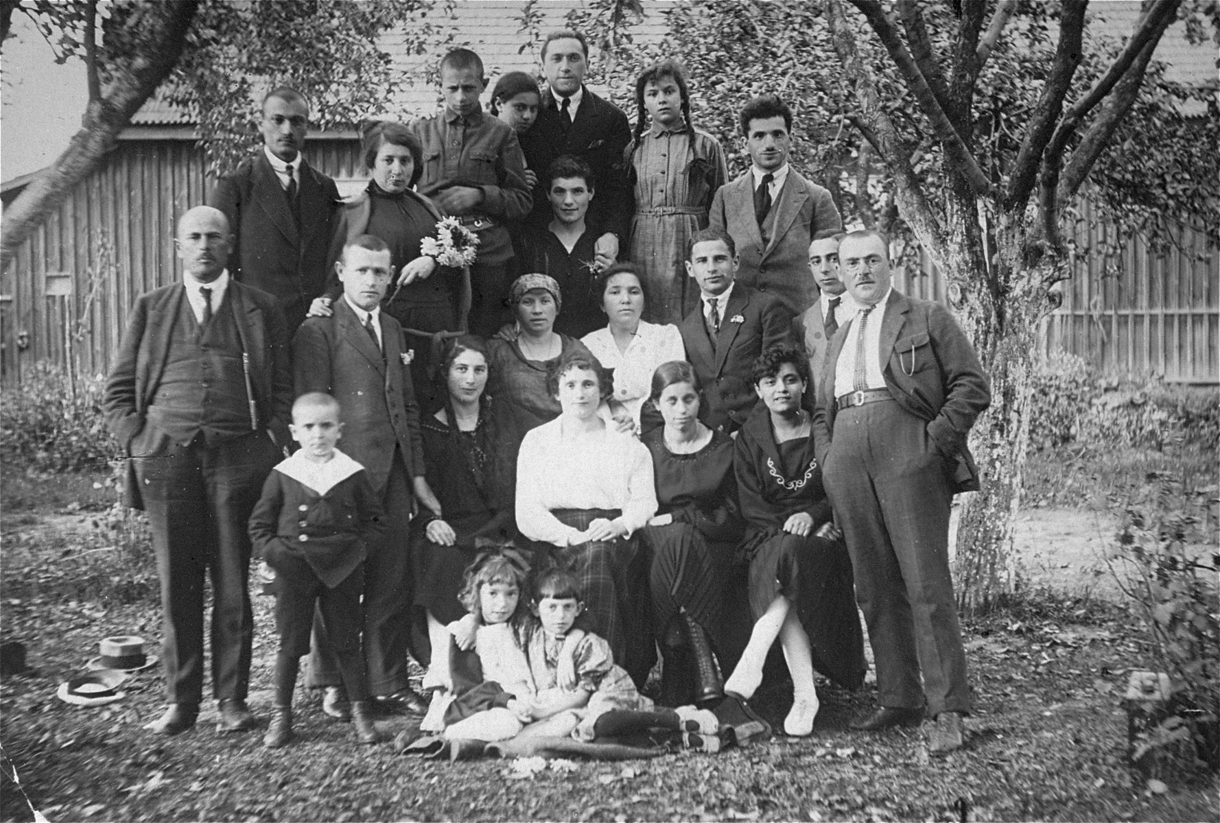 Group portrait of the Gar family in Kron, Lithuania.