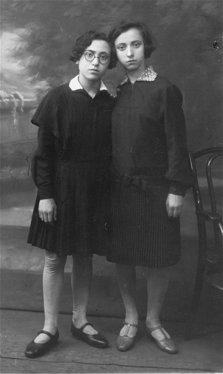 Portrait of two Jewish sisters, who were cousins of the donor.