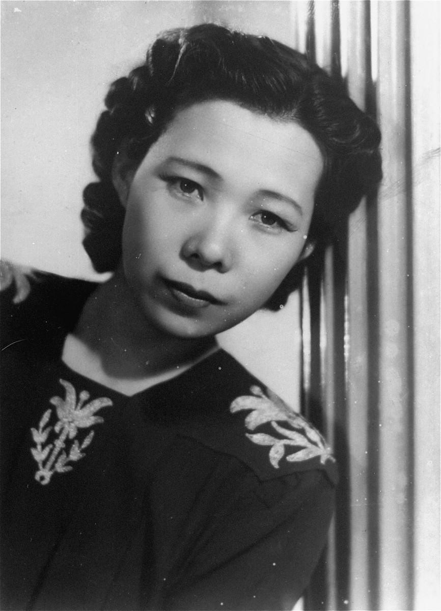 Portrait of Yukiko Sugihara, the wife of Chiune Sugihara.  This photo was part of a series taken for the Romanian press.