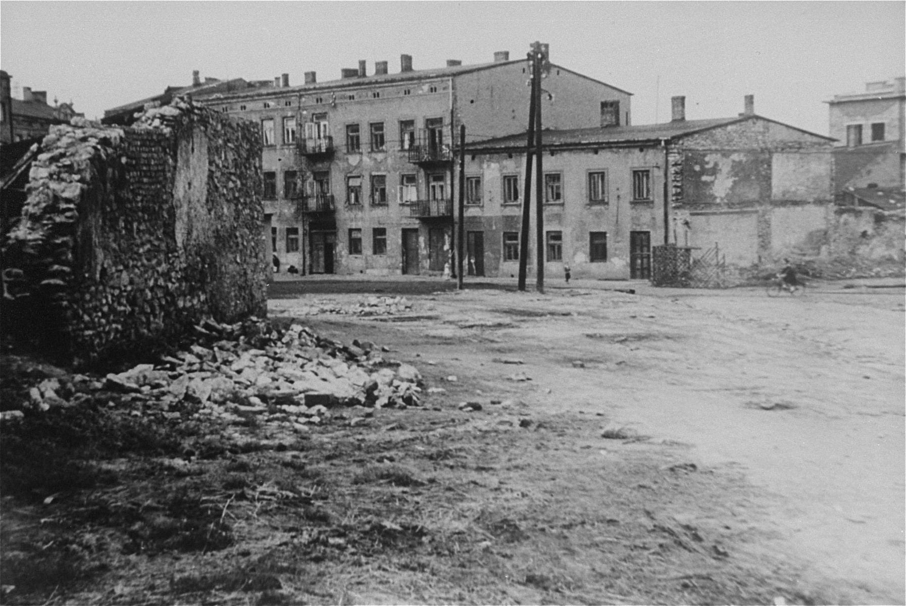 View of Rynek Warszawski Square in Czestochowa, where Jews in the ghetto were assembled for forced labor and deportation.