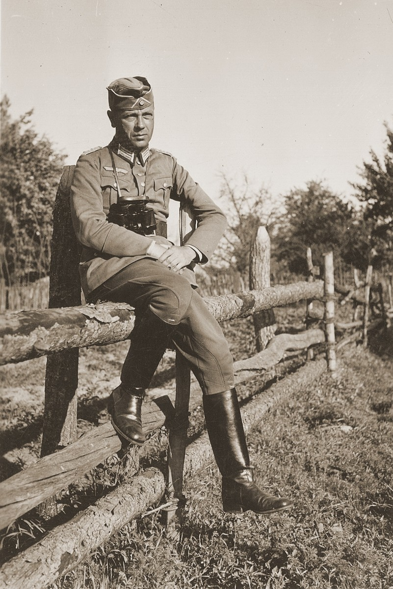 A German Army staff Colonel on the Eastern Front.