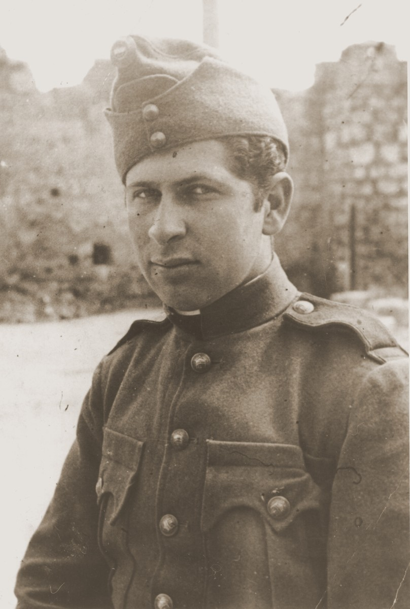 Portrait of Imre Rosner dressed in the uniform of the Hungarian labor service.