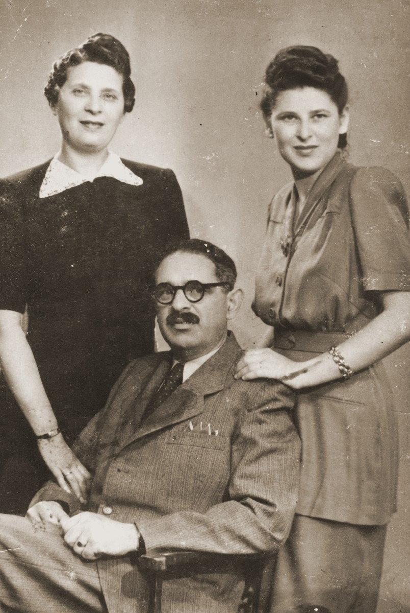 Portrait of Abraham and Margit Krausz with their daughter, Klara, in Budapest.